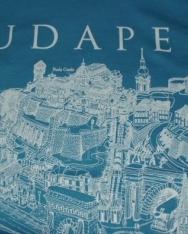 Női póló világoskék színben Budapest grafikai látképével XL